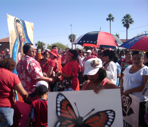 Mothers Day March for Immigrant Rights in Phoenix, AZ - Photo: Valeria Fernandez
