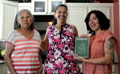 """Von Diaz (right) with her mom (middle) and grandmother """"Tata"""" (left). Photo: Von Diaz"""